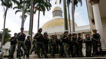 chavismo impide que el parlamento pueda sesionar