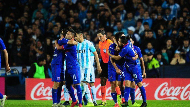 Al campeón no le dio la nafta y Tigre está en semifinales