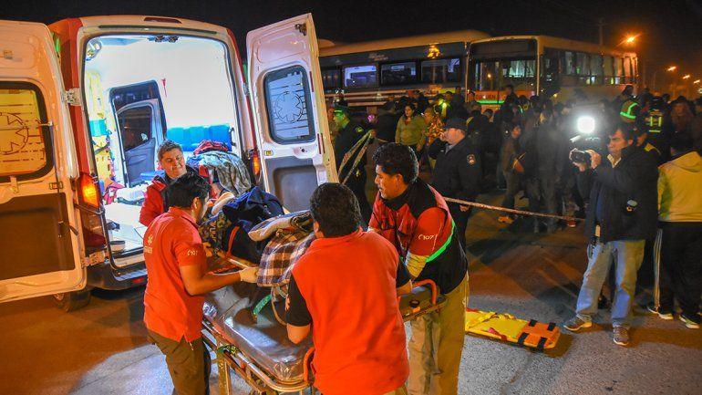 El Tren del Valle chocó a un colectivo y hubo varios heridos: cuatro fueron hospitalizados