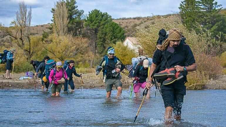 El trekking reunió generaciones en Mariano Moreno