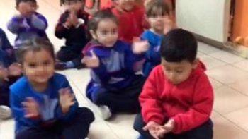 maestra le hizo bullying a un nene por el partido de river