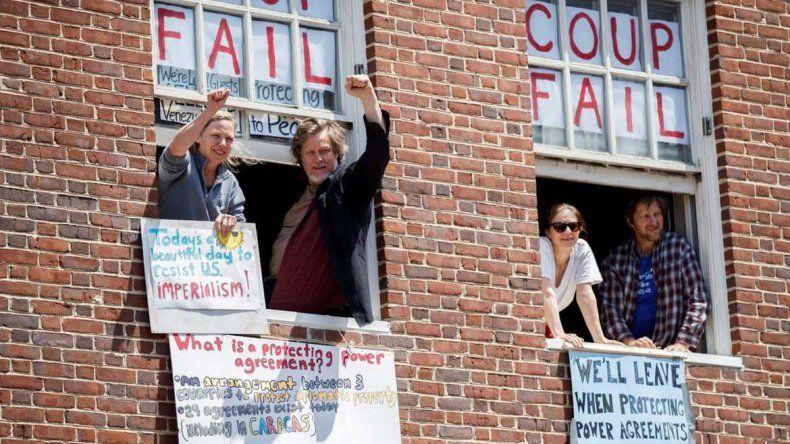 EE.UU. sacó a activistas de la embajada de Venezuela