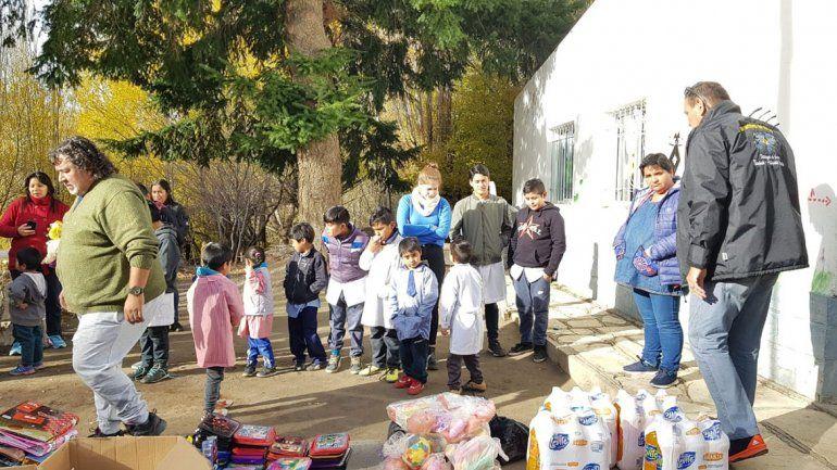 Veteranos de Malvinas llevaron donaciones a chicos de parajes neuquinos