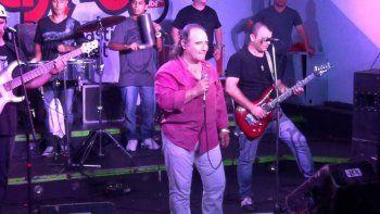 murio en pleno show el cantante de los del fuego: asi fue el momento