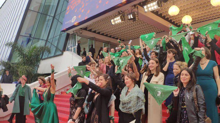 La ola verde a favor del aborto legal copó el festival de Cannes