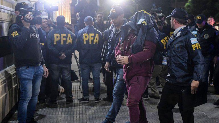 Doble crimen en el Congreso: ¿Navarro Cádiz practicó tiro en su casa?