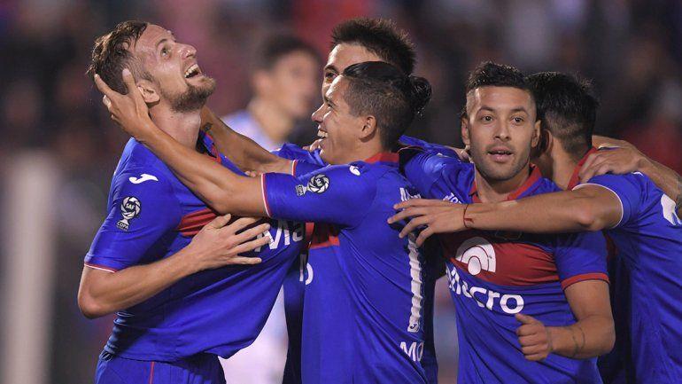 Tigre le dio una paliza al Decano en las semis de la Copa de la Superliga
