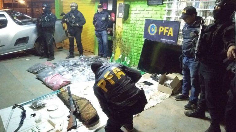 La Policía Federal reventó dos kioscos narcos en el Oeste