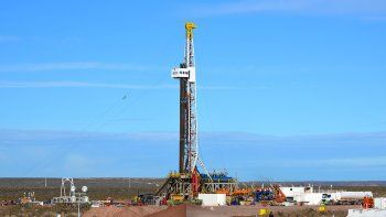 el petroleo sostiene un nivel industrial en franca caida