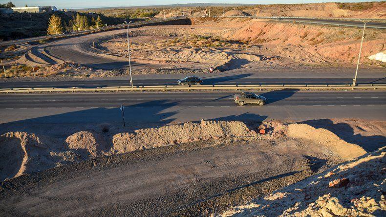 Presionan por las obras paradas de los rulos y de la Ruta 22
