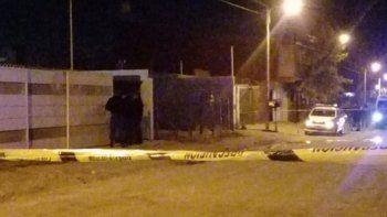 femicidio en barrio huiliches: asesino a su pareja y despues se ahorco