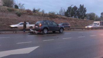 dos choques entre camionetas y motos complicaron el transito