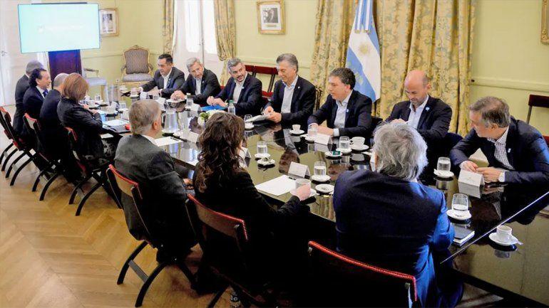 Gobierno: la fórmula Fernandez-Cristina subestima a los argentinos