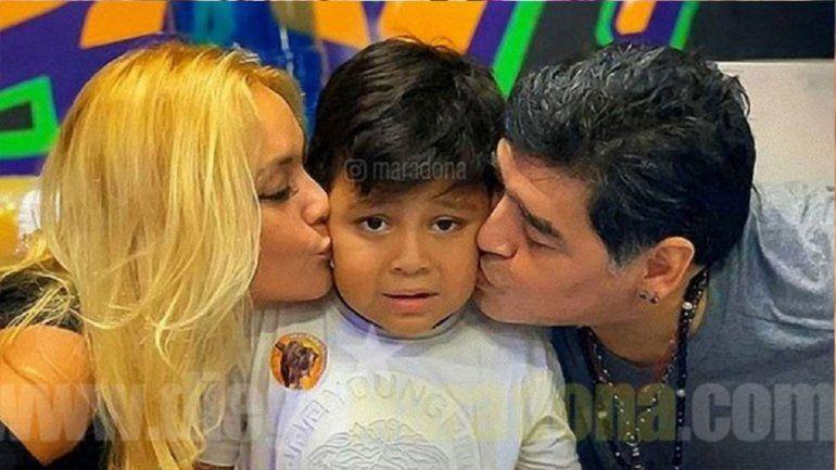 Se armó: Maradona echó a Ojeda, explotó contra un periodista y pidió que no vean su documental