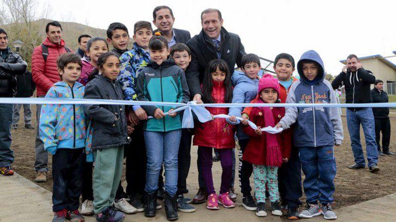 El Cholar celebró sus 109 años con nuevas casas y anuncios de obras