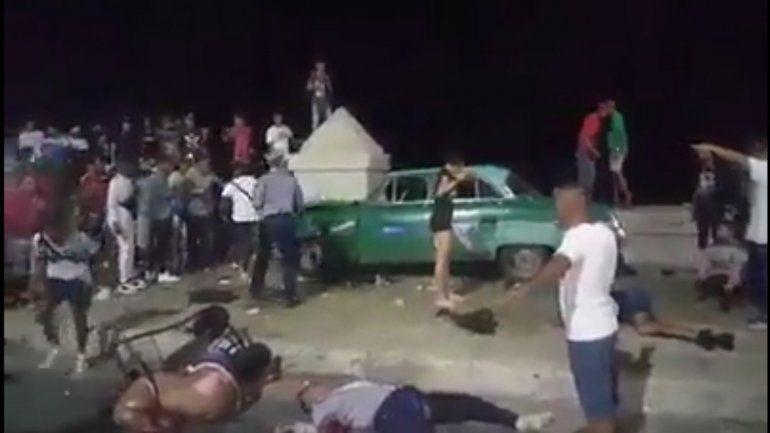 Cuba: subió a la vereda y atropelló a 24 personas