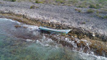 un bote venezolano naufrago y buscan a 20 desaparecidos