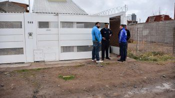 barrio huiliches: mato a su pareja de cuatro punaladas al corazon y se ahorco