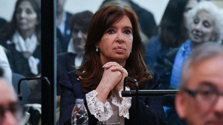 Rechazaron suspender el juicio contra CFK