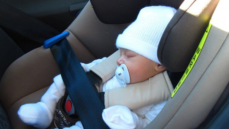 Fueron padres, salieron del hospital y olvidaron al bebé
