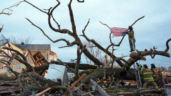 casi 20 tornados azotaron a los ee.uu.