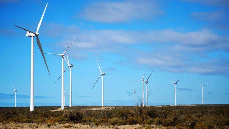 El parque eólico pone primera en Bajada Colorada