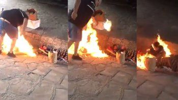 brutal ataque: prendio fuego a dos indigentes y viralizo el video