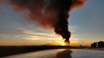 incendio en el basural: niegan que haya residuos contaminantes