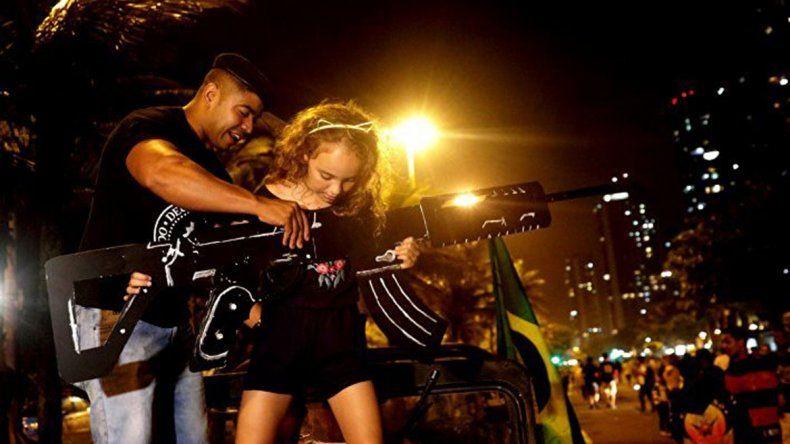 Bolsonaro se arrepiente y no autoriza la portación de escopetas