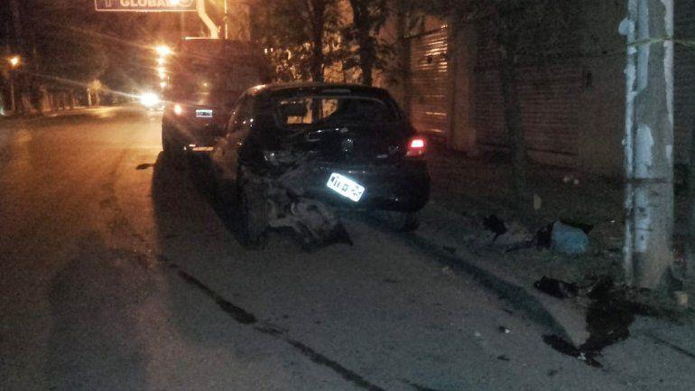 Borracho, chocó a un auto estacionado en el Oeste