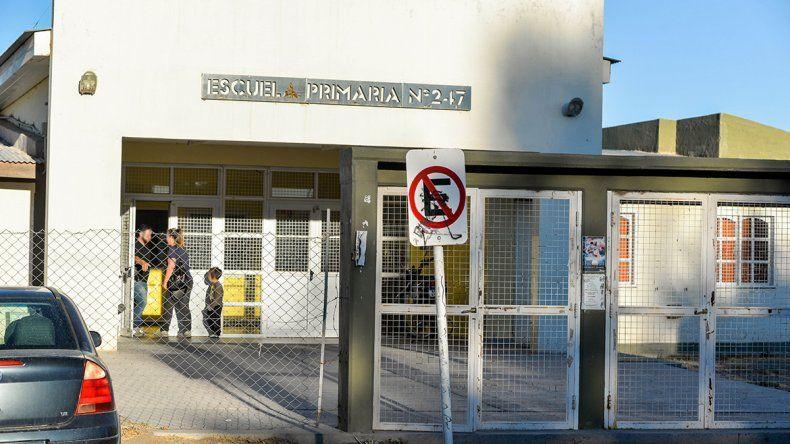 Piden justicia contra maestro denunciado por abusar de niñas