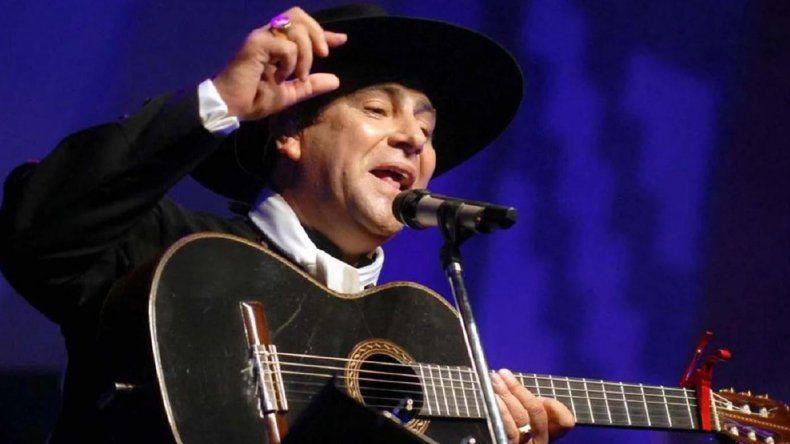 Chaqueño Palavecino fue acusado de maltratar a un músico