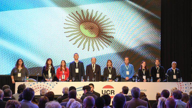 La UCR seguirá en Cambiemos, pero con duras críticas