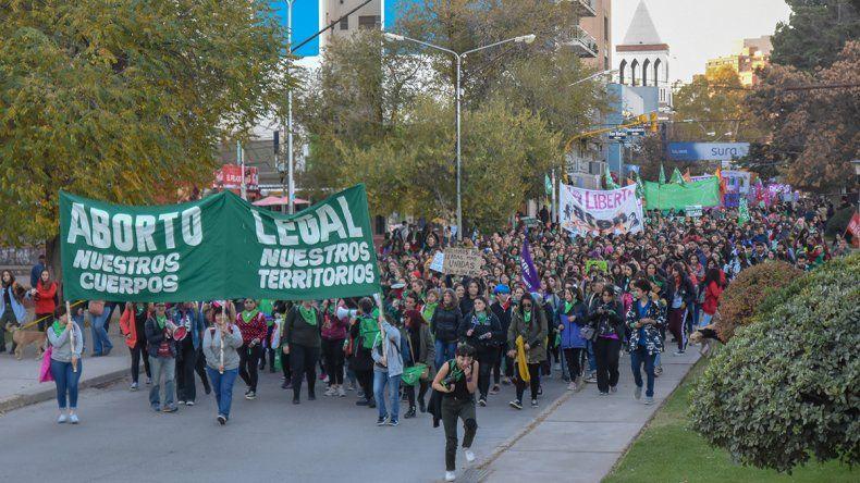 Masivo pañuelazo y marcha por la presentación del nuevo proyecto para legalizar el aborto