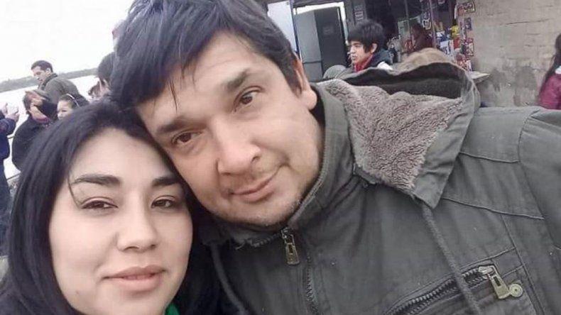 Asesinó a su ex esposa y se suicidó frente a su hija