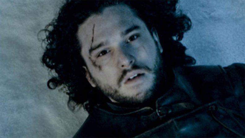 El final de GOT lo dejó mal: Jon Snow está internado por estrés y alcoholismo