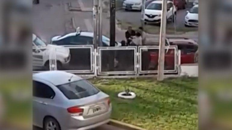 La Municipalidad sancionará al taxista agresor y  evalúa trasladar la parada de ADOS