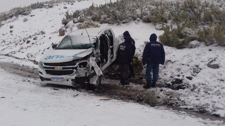 Una camioneta de Anses chocó con un camión: hay un herido