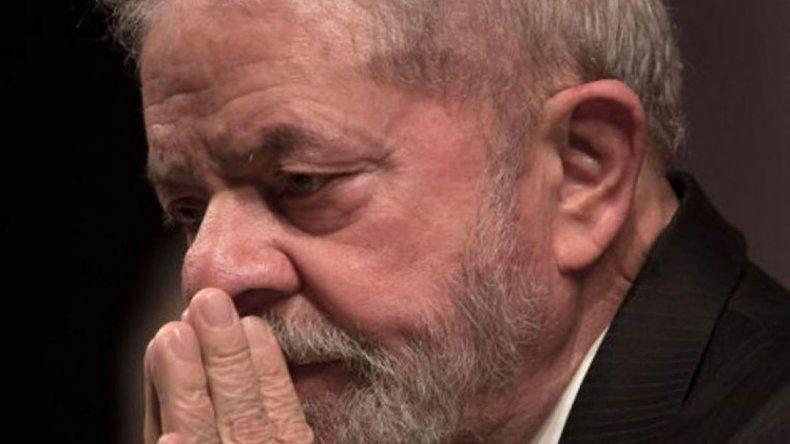Por carta, el Papa le pidió a Lula que no desista en su lucha