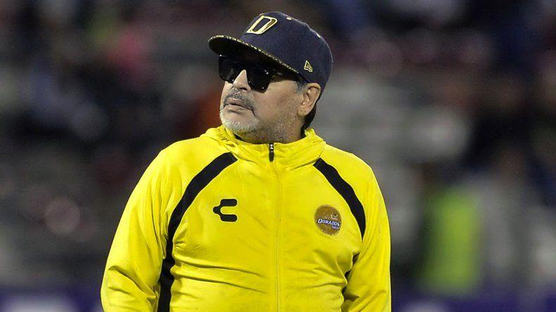 Maradona a un paso de dirigir a un histórico club de la Superliga