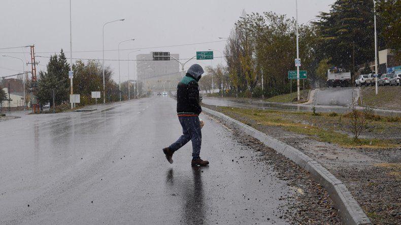 Temporal de lluvia y nieve complicó  a la zona centro