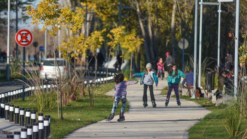 Caminata al aire y hábitos saludables, la propuesta en la Isla 132