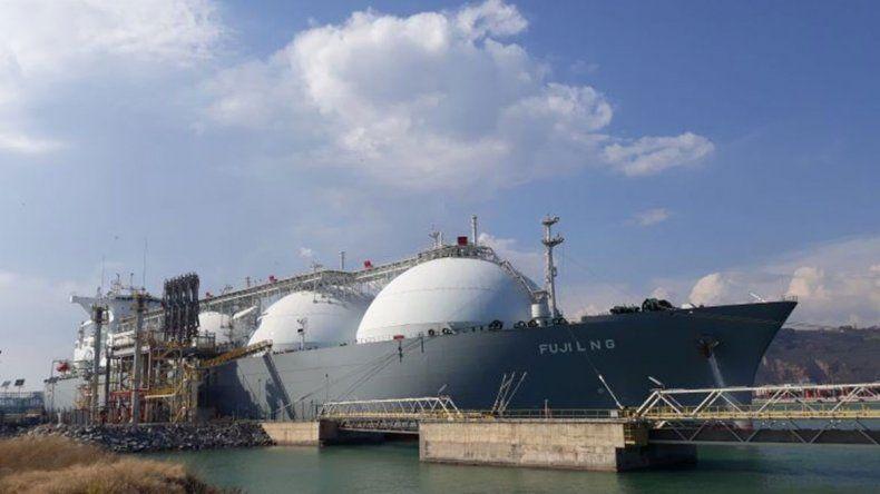 El FUJI LNG, el barco para el gas de Vaca Muerta