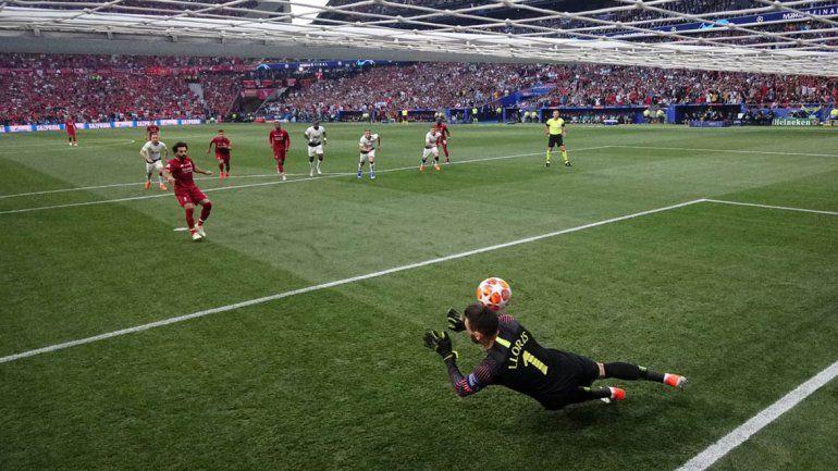 El penal insólito que empezó a definir la final de la Champions League