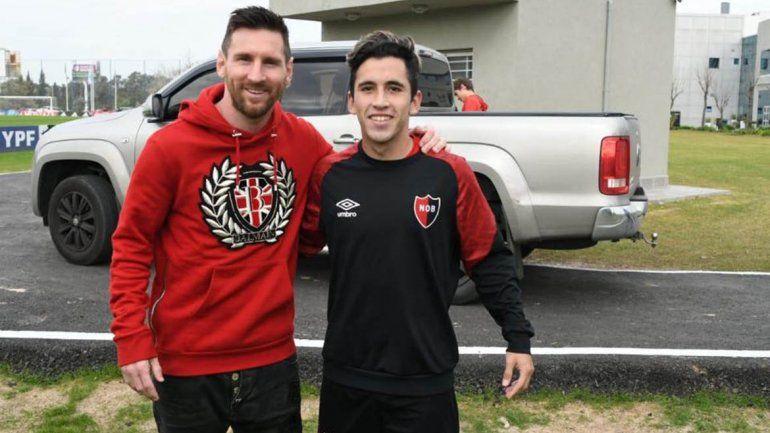 El neuquino Torres cumplió su sueño: jugó y posó con Messi