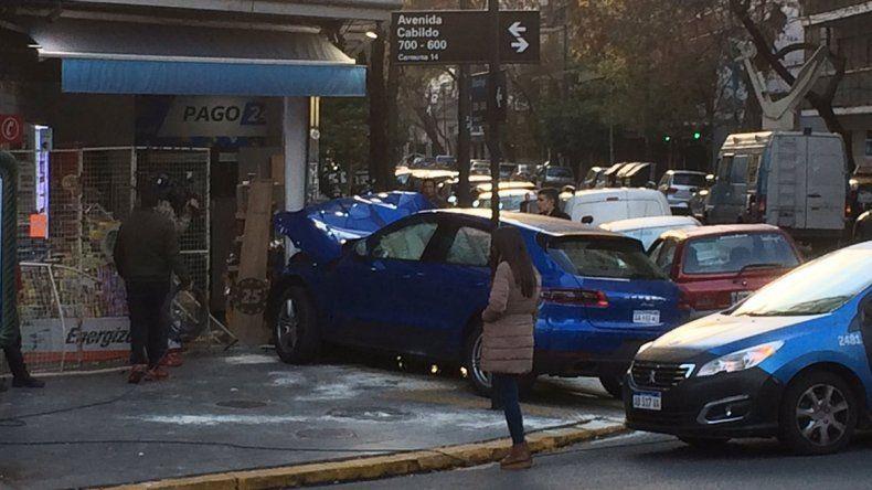 Nene de 15 años estrelló un Porsche contra un kiosco en Buenos Aires
