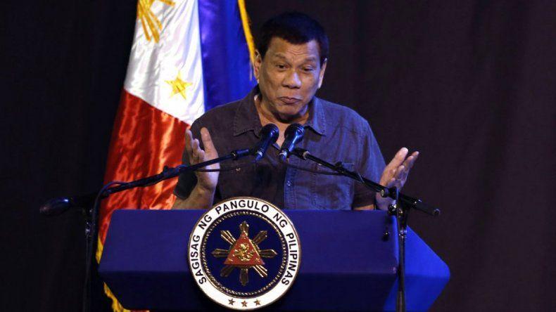 El presidente de Filipinas dijo que fue gay y se curó