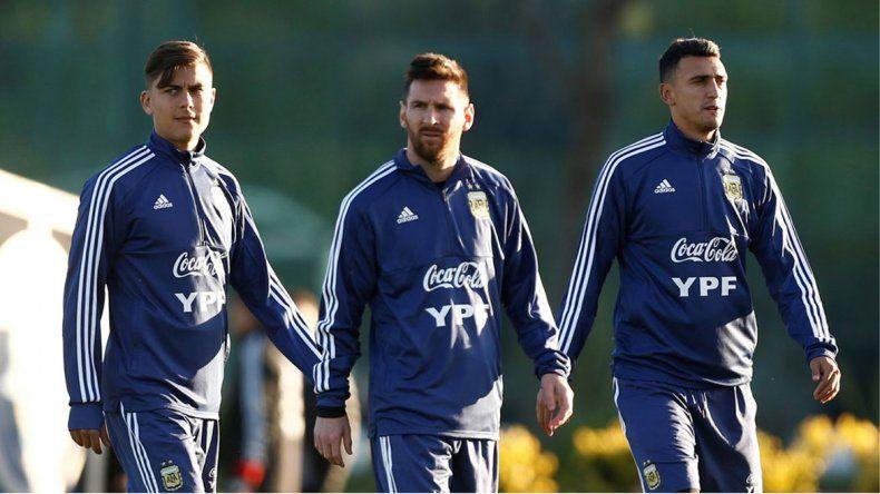El 11 de Argentina no está, pero Scaloni da pistas