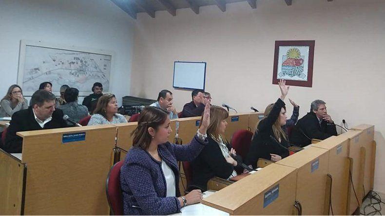 Escándalosa sesión en Plottier por un proyecto para congelar las tasas municipales