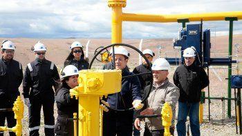 el ministro de energia chileno llega a vaca muerta con el shale gas como objetivo